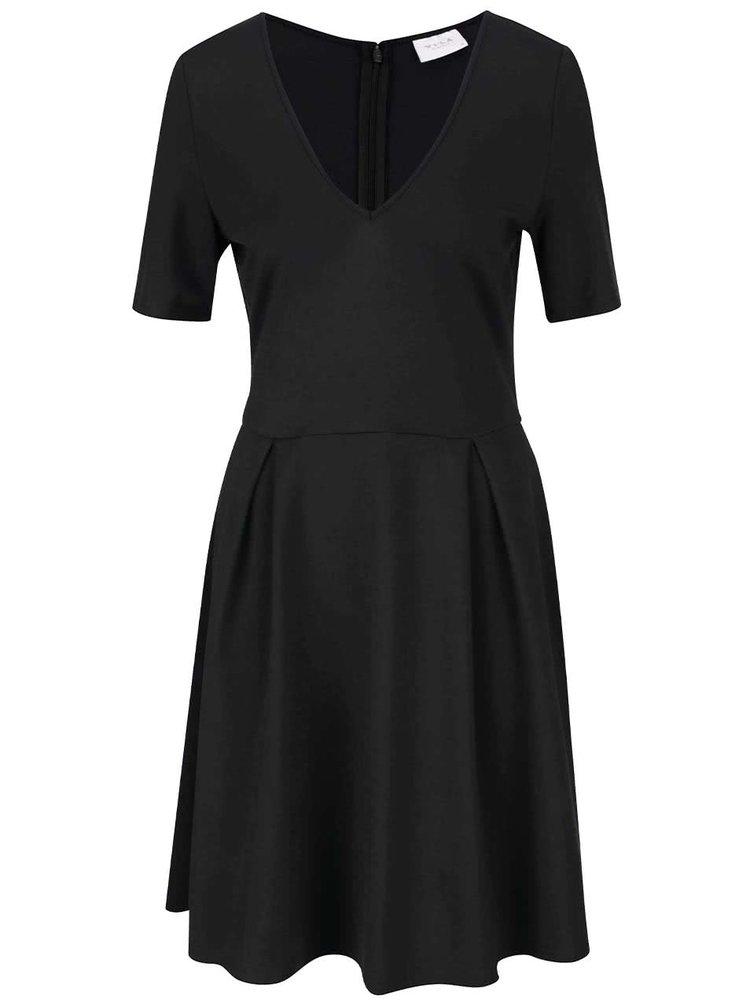 Černé šaty s véčkovým výstřihem VILA Foama