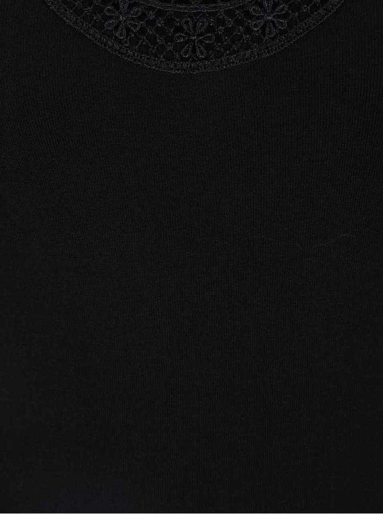 Černé tílko s krajkou v dekoltu VERO MODA New Ratli