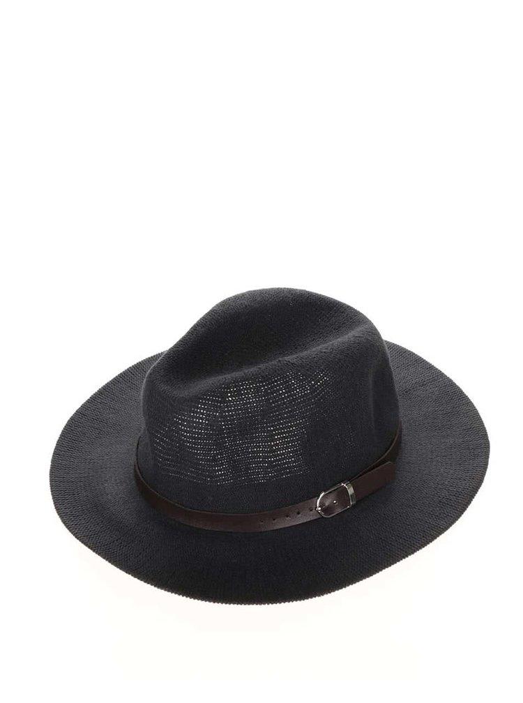 Tmavě modrý klobouk s tmavěhnědým páskem YAYA