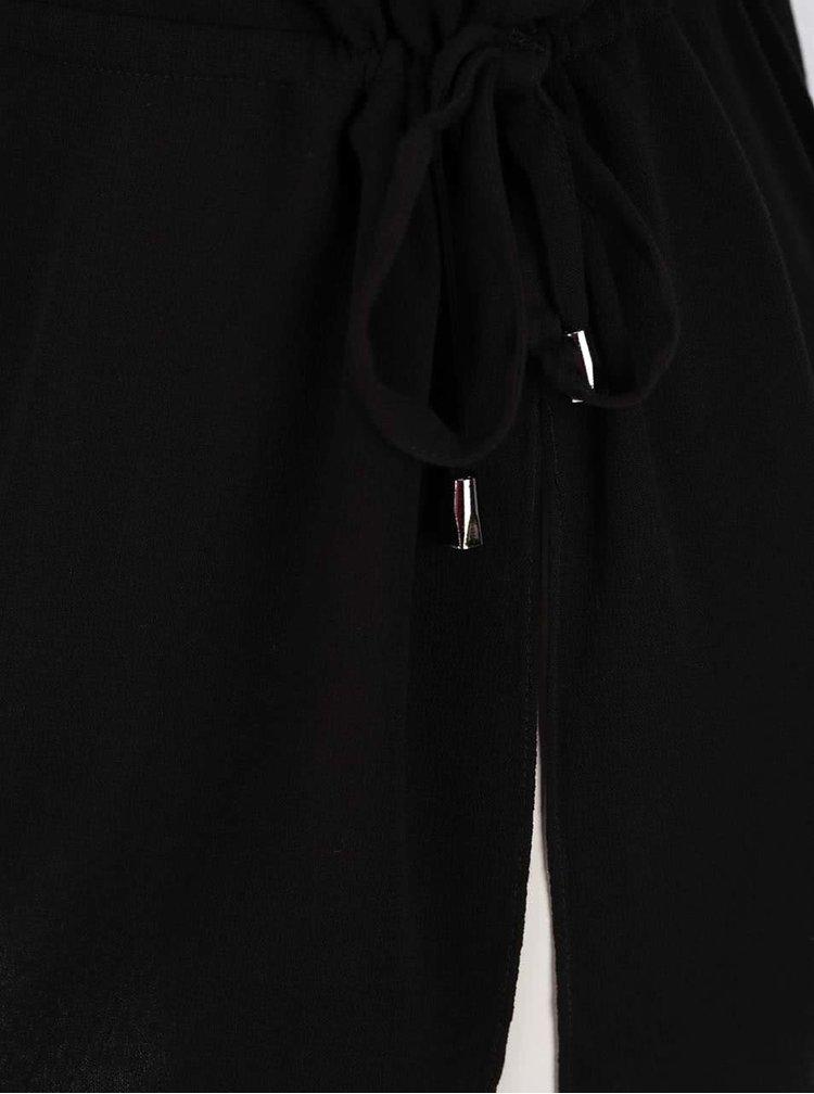 Černá halenka s průstřihy na ramenou ONLY Brier