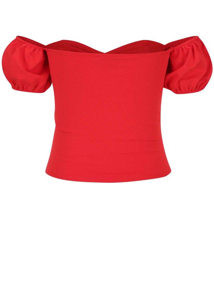 Crop top roșu Miss Selfridge cu mâneci căzute