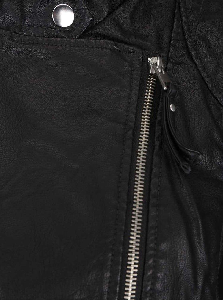 Černý koženkový křivák VERO MODA Alina