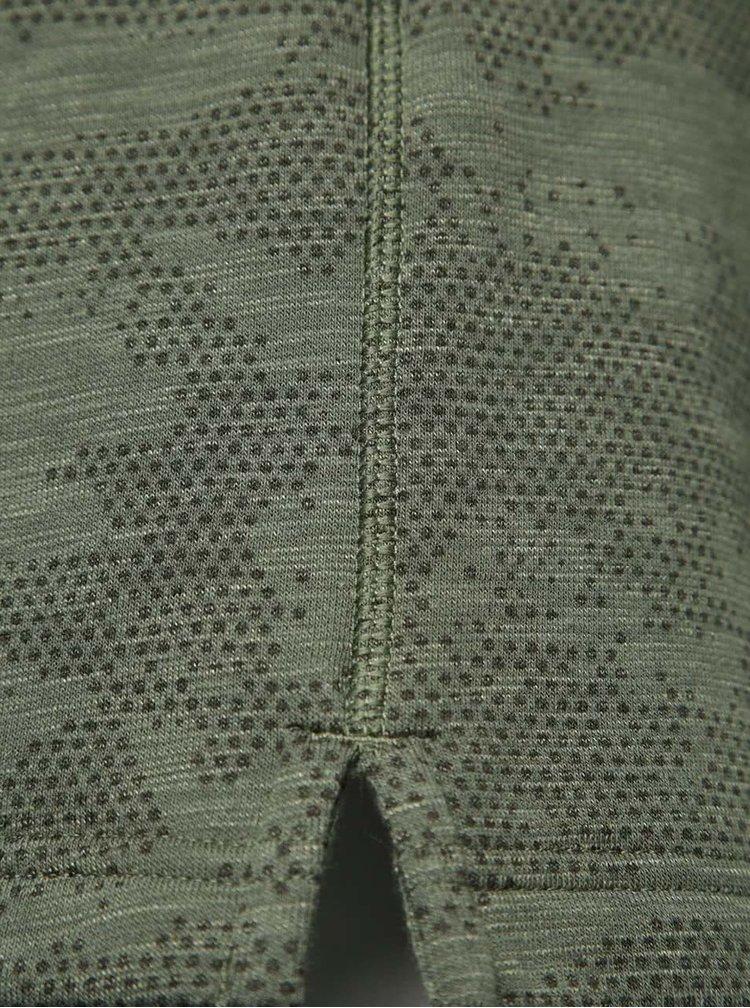 Pantaloni sport scurți kaki Under Armou Camo Fleece Short cu model camuflaj