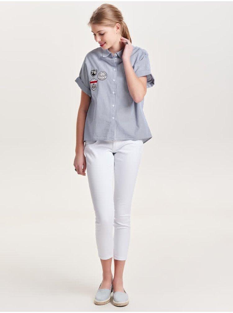 Cămașă albastră Jacqueline de Yong Isaak cu model în dungi și aplicații