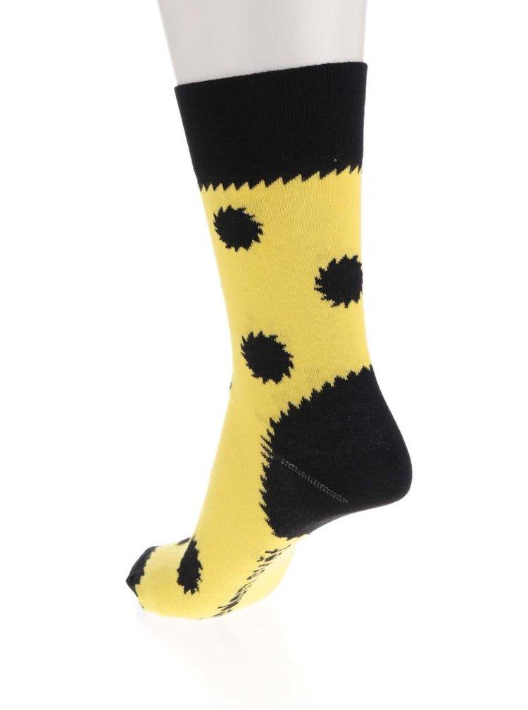 """""""Dobré"""" žluté ponožky pro Jeden svět 2017"""