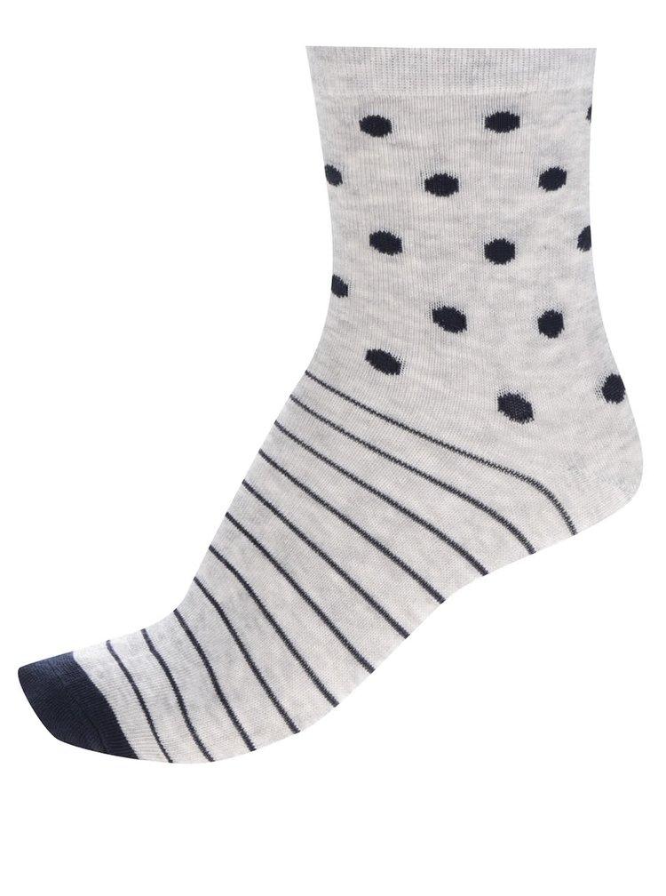 Sada tří párů holčičích vzorovaných ponožek v bílé a modré barvě 5.10.15.