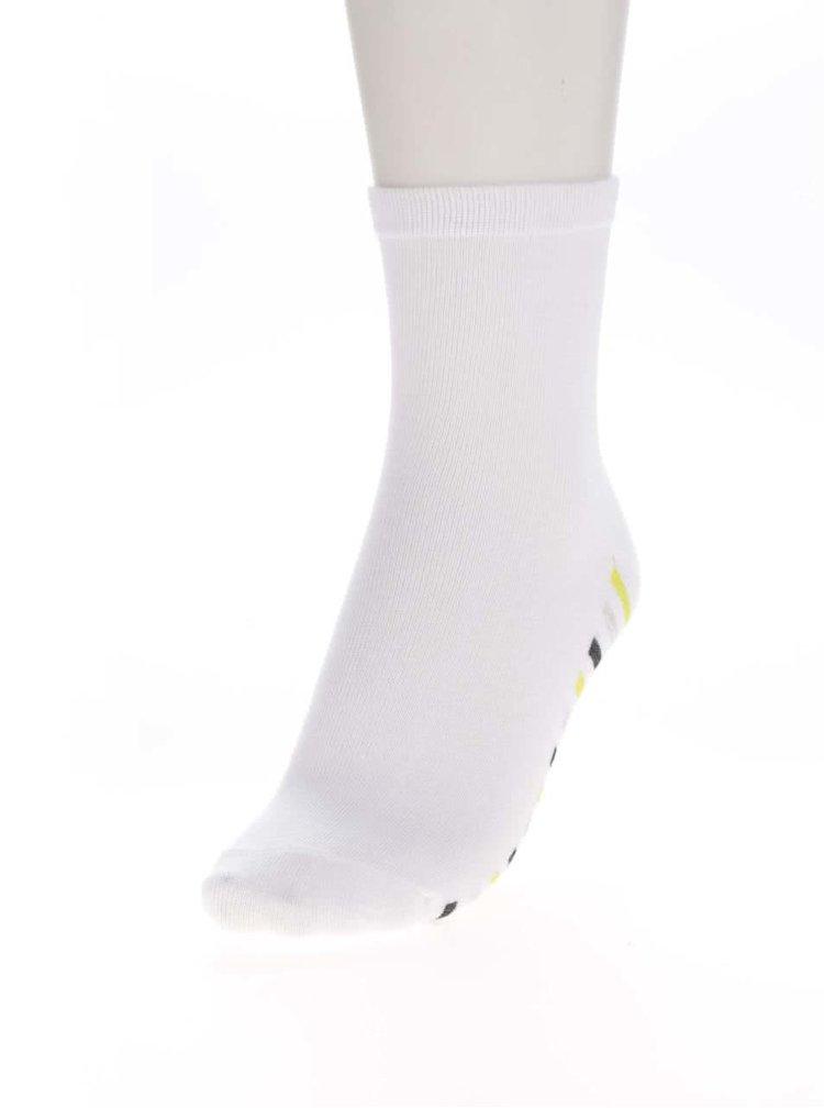 Sada tří párů holčičích vzorovaných ponožek v černé, zeleno a bílé barvě 5.10.15.