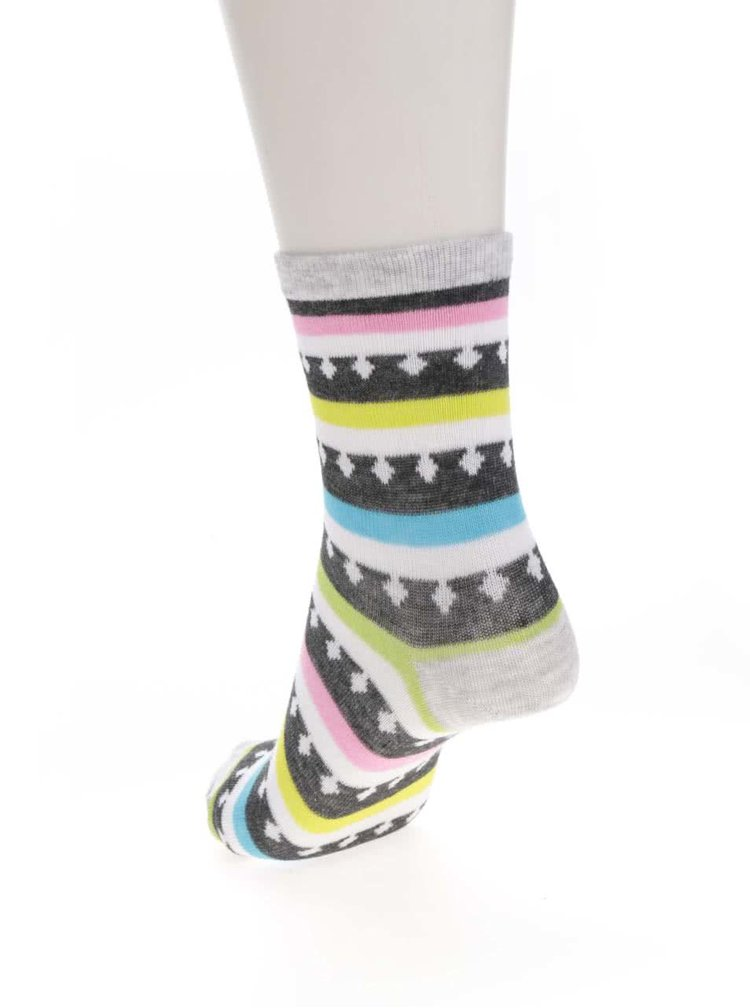 Sada tří párů holčičích ponožek v šedo-bílé barvě s kaktusem 5.10.15.