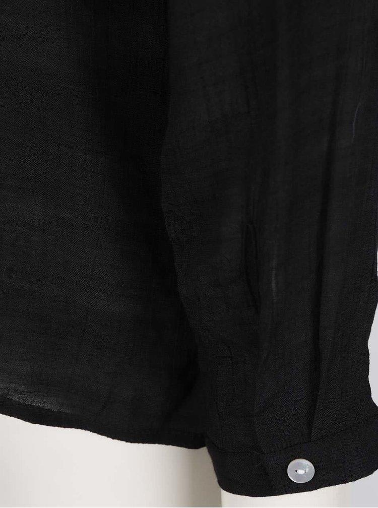 Černá halenka s volánem na zádech VERO MODA Mandy