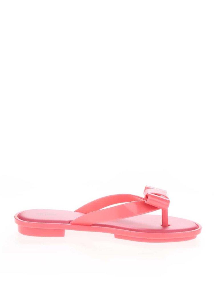 Șlapi roz Melissa Gueixa cu detaliu