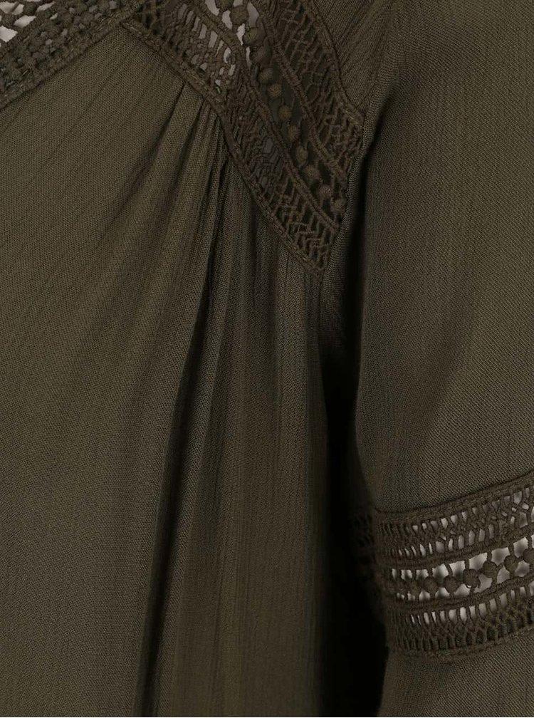 Khaki volná halenka s krajkovými detaily VILA Carrie