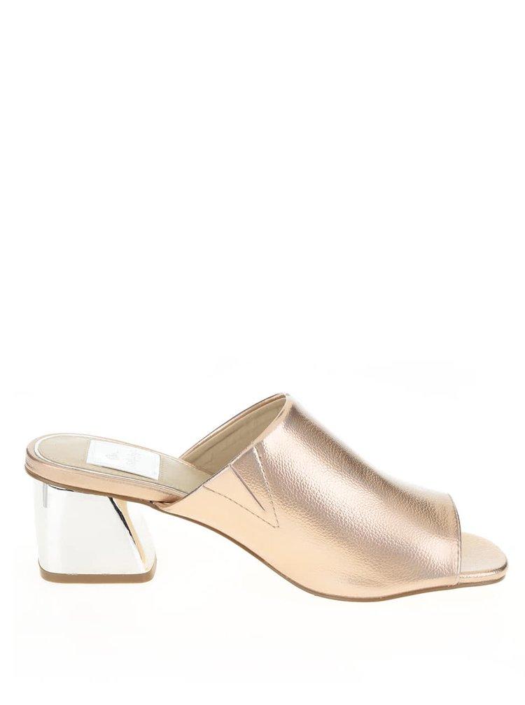 Růžové metalické pantofle na širokém podpadku Miss Selfridge