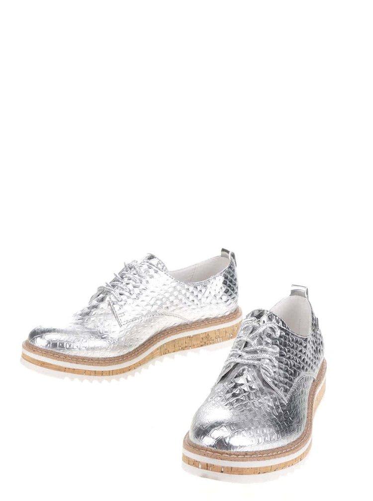 Dámské polobotky ve stříbrné barvě na platformě bugatti Fee