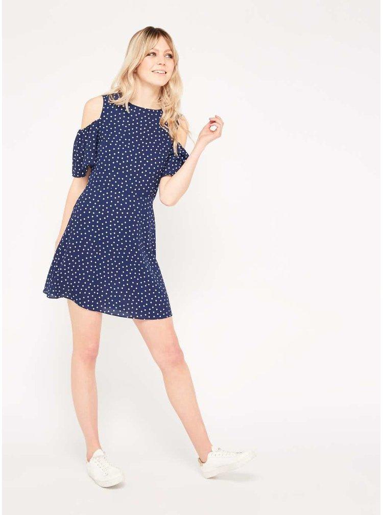 Tmavě modré puntíkované šaty s průstřihy na ramenou Miss Selfridge
