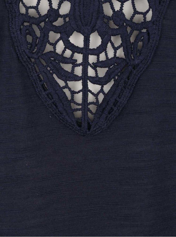 Tmavě modrá halenka bez rukávů s krajkovými detaily Haily´s Oni