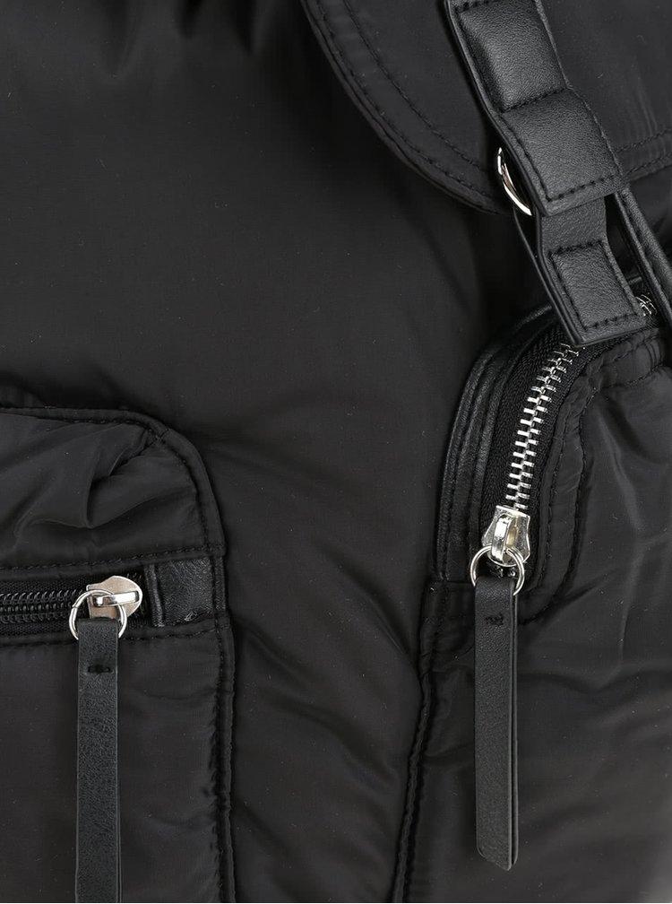 Černý batoh s koženkovými detaily TALLY WEiJL
