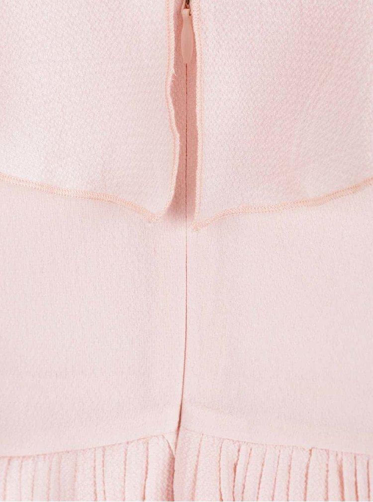 Svetloružové plisované šaty Wolf & Whistle