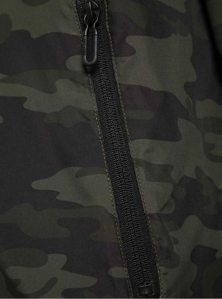 Tmavě zelená šusťáková bunda s maskáčovým vzorem ONLY & SONS Normex