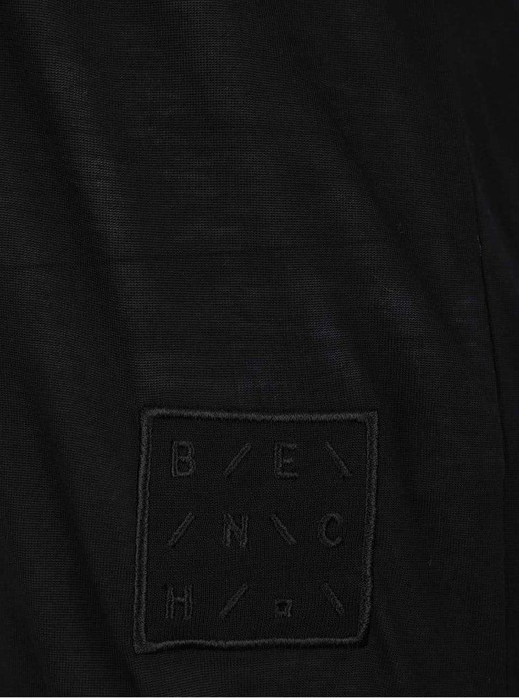 Černé tričko s překládaným zadním dílem a průstřihem Bench