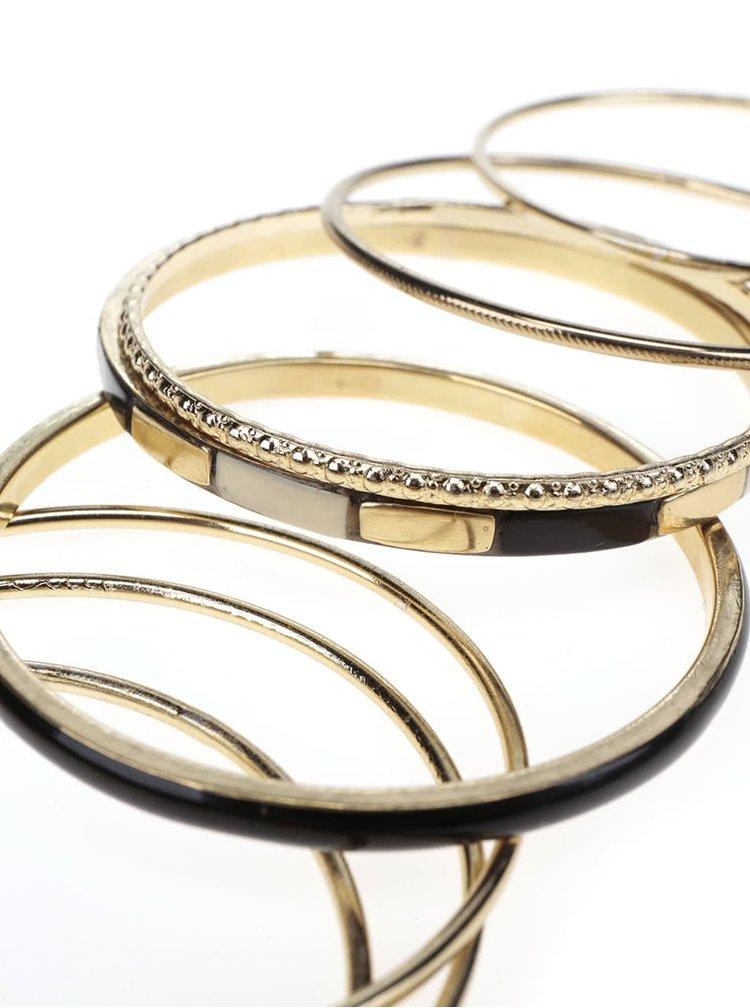 Sada osmi náramků ve zlaté barvě s detaily Pieces Layla