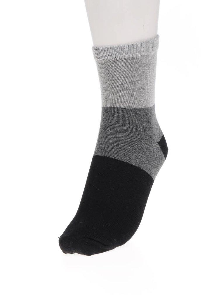 Sada tří pruhovaných klučičích ponožek v černé a šedé barvě 5.10.15.