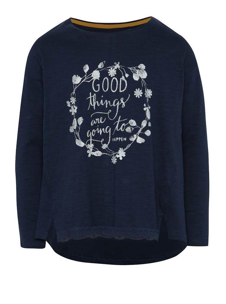 Tmavě modré holčičí tričko s potiskem a krajkovým lemem 5.10.15.