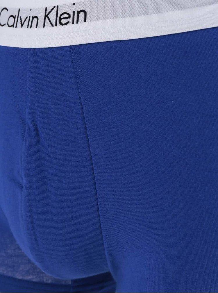 Sada dvou pánských boxerek v černé a modré barvě Calvin Klein