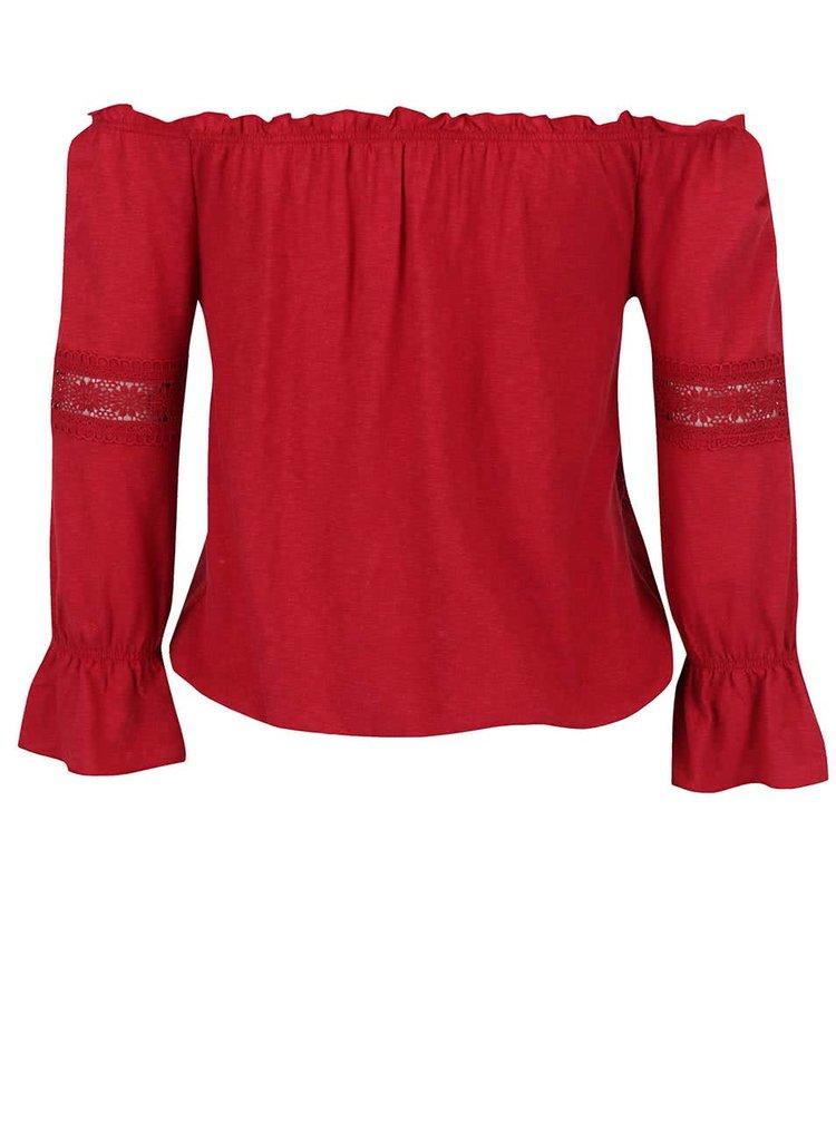 Červené tričko s odhalenými rameny Miss Selfridge