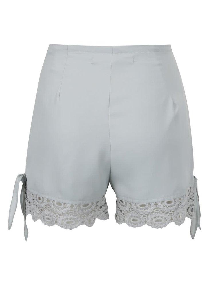 Pantaloni scurti verde deschis cu dantela Miss Selfridge Petites