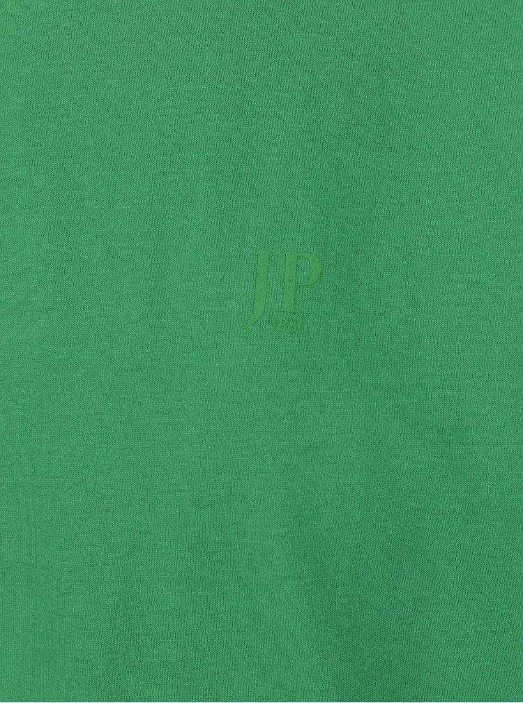 Sada dvou zelených trik JP 1880