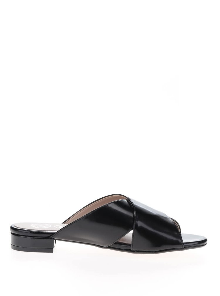 Černé lesklé pantofle OJJU