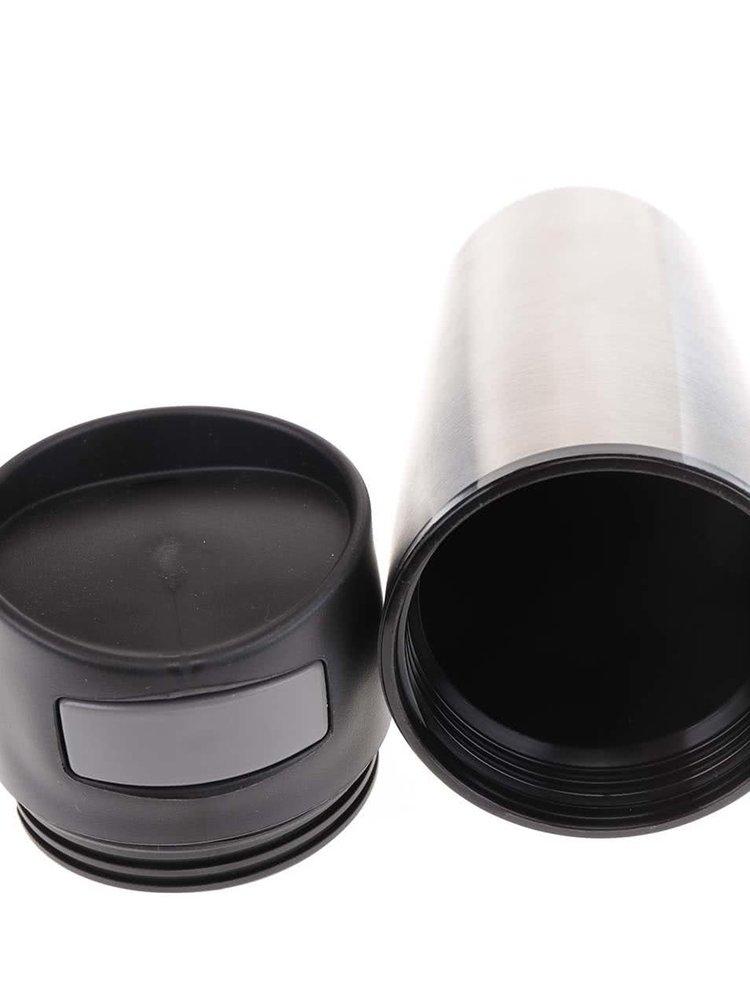 Termohrnek ve stříbrné barvě do auta XD Design Auto 300 ml