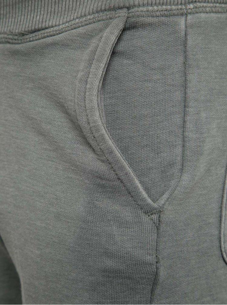 Pantaloni scurți gri Blue Seven cu print