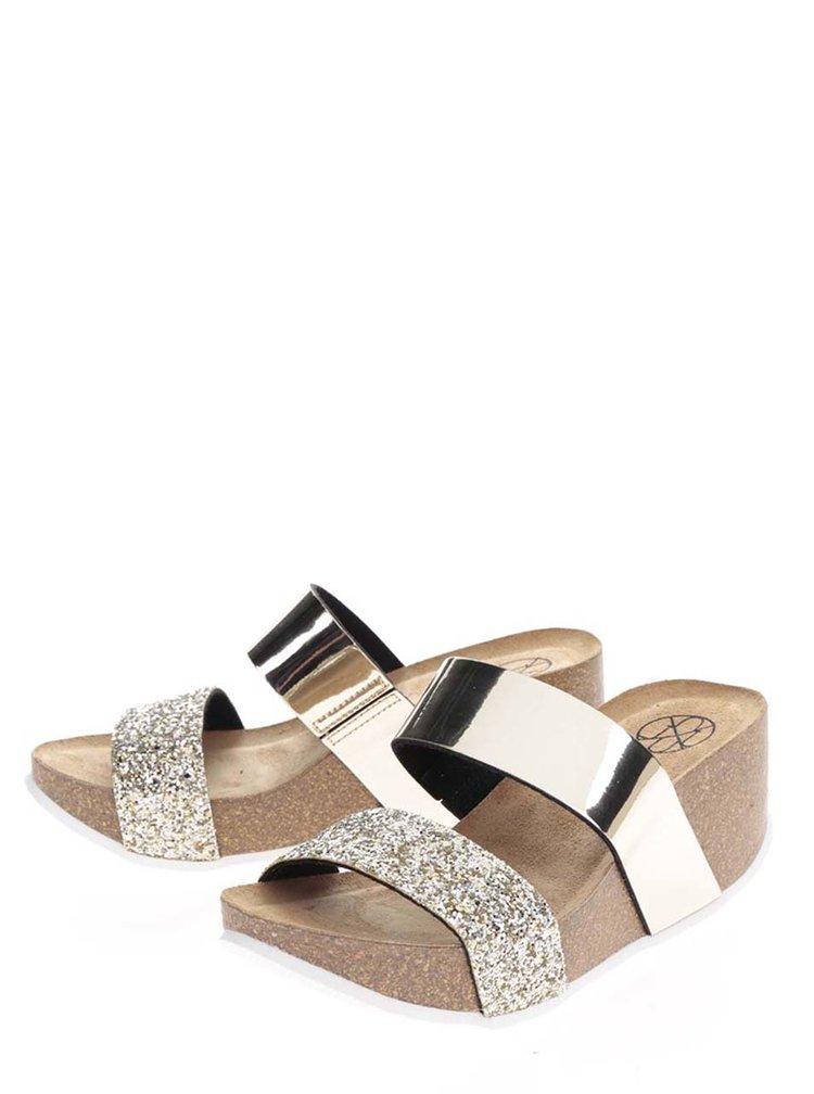 Dámské lesklé pantofle ve zlaté barvě na platformě OJJU