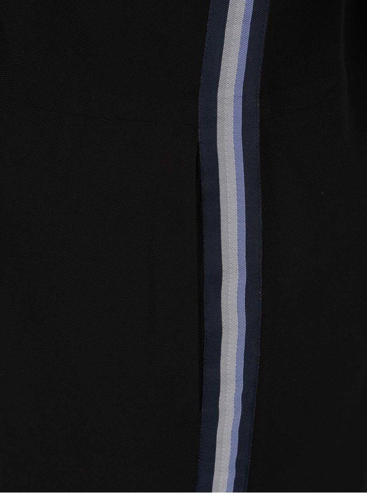 Černé šaty s dlouhým rukávem YAYA