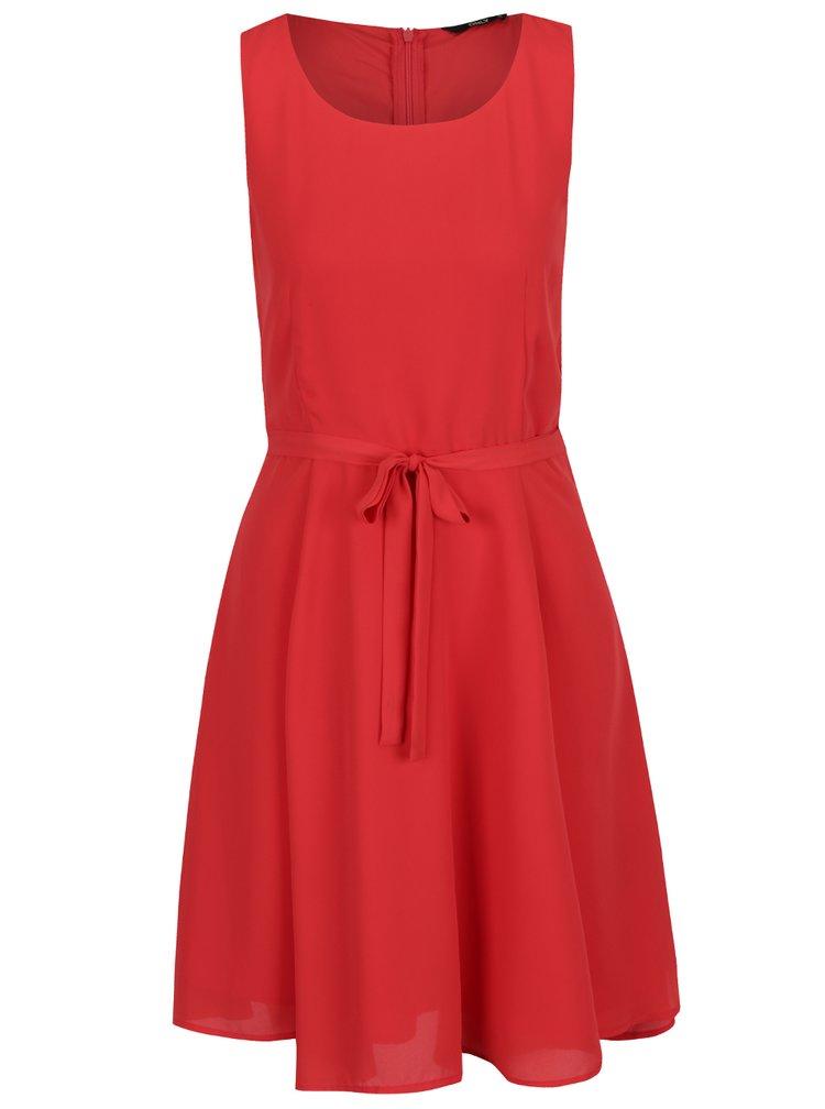 Červené šaty s páskem ONLY Kiss