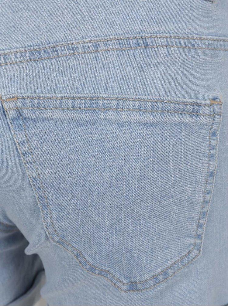 Světle modré džínové kraťasy s potrhaným efektem VERO MODA Be Five