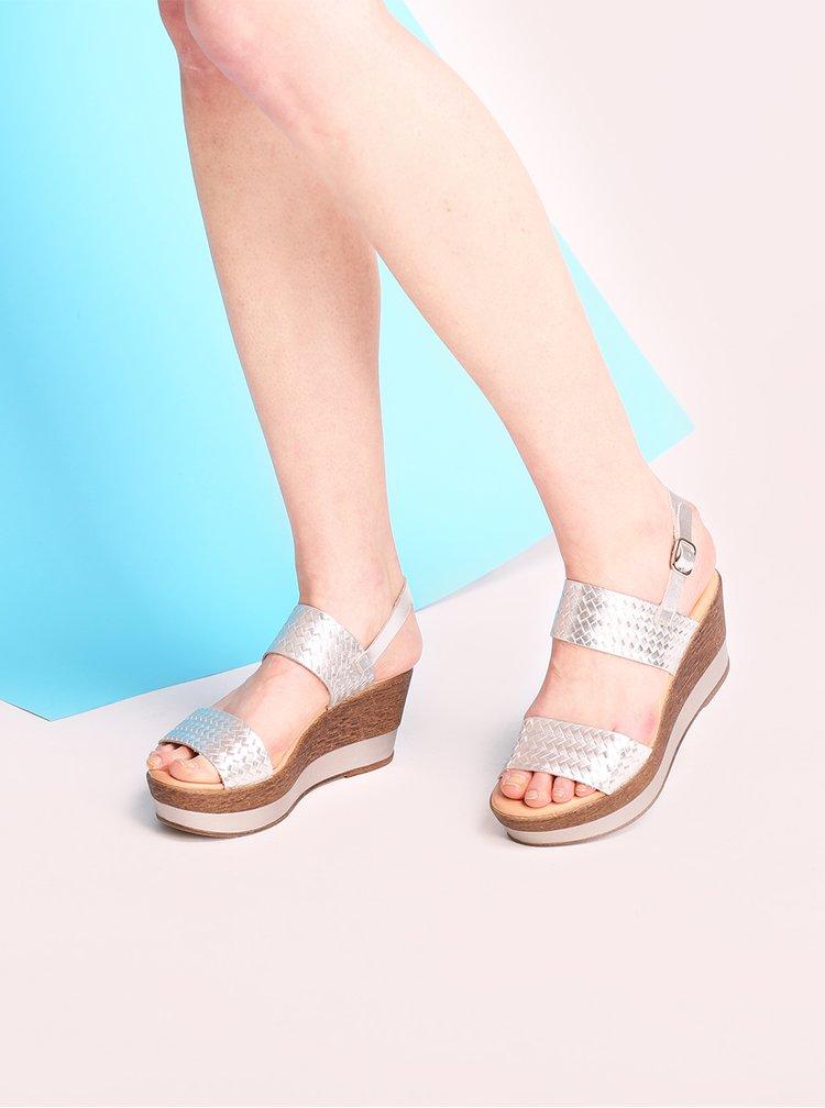 Kožené sandály na platformě ve stříbrné barvě OJJU
