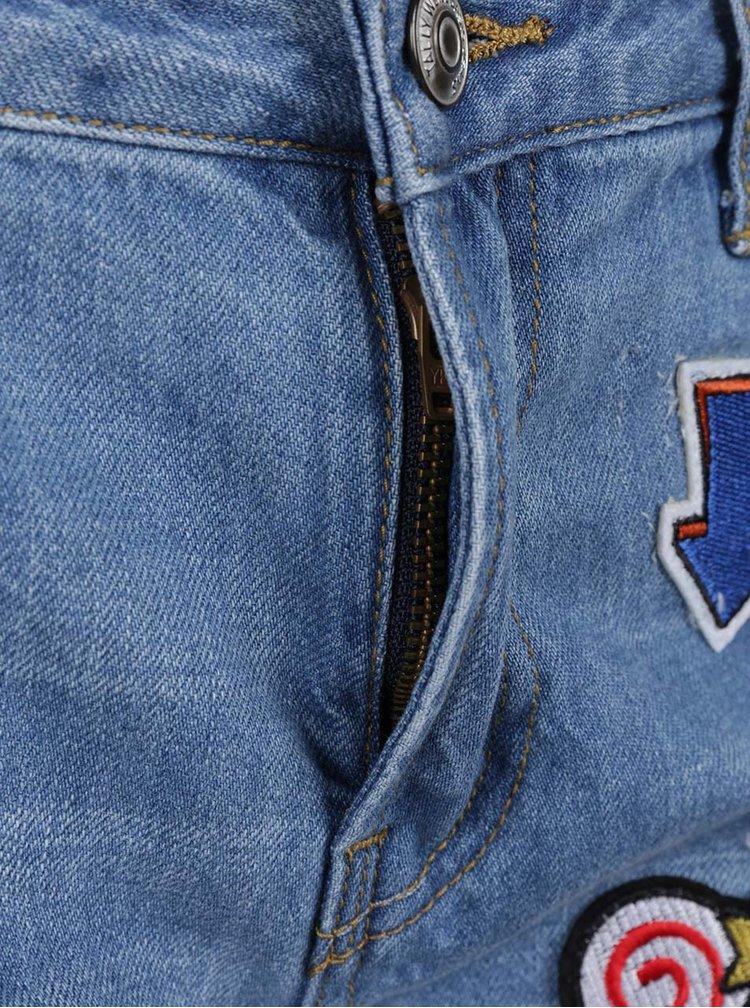 Blugi scurți albaștri TALLY WEiJL cu aspect deteriorat și aplicații brodate