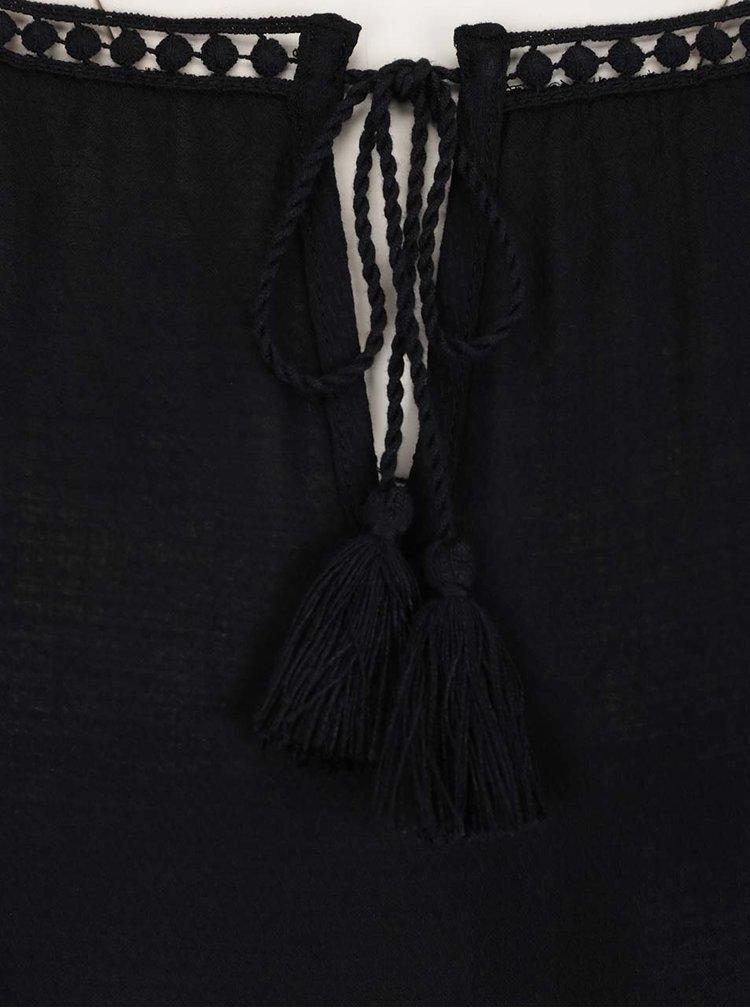 Černá halenka s krajkovými detaily a třásněmi Gina Laura