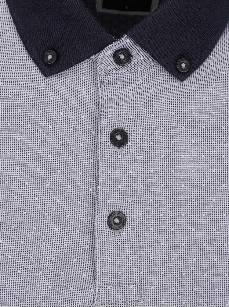 Bílo-modré vzorované polo triko Burton Menswear London