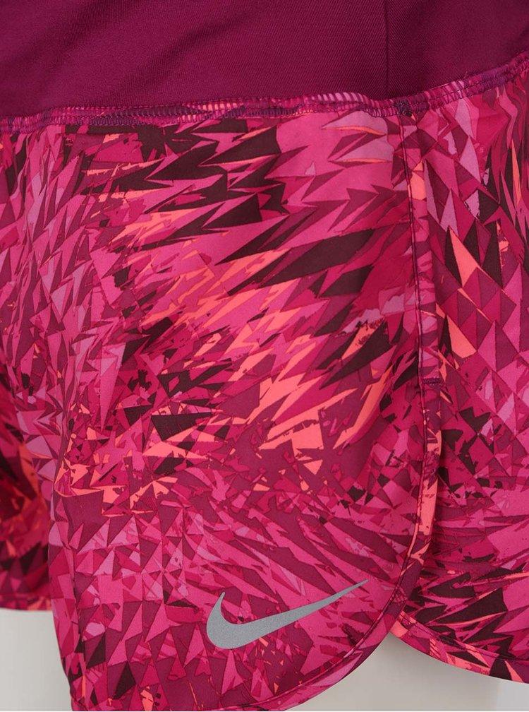 Pantaloni scurti roz Nike cu imprimeu
