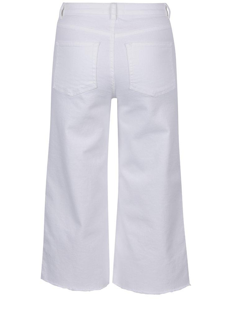 Bílé bootcut džíny se zkráceným střihem Miss Selfridge