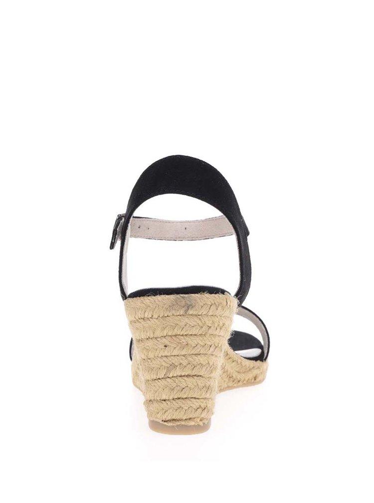 Černé páskové sandály v semišové úpravě na klínku Tamaris