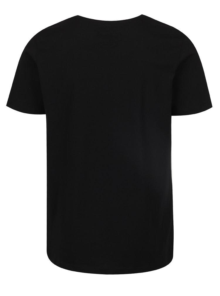 Černé triko potiskem Jack & Jones Pac