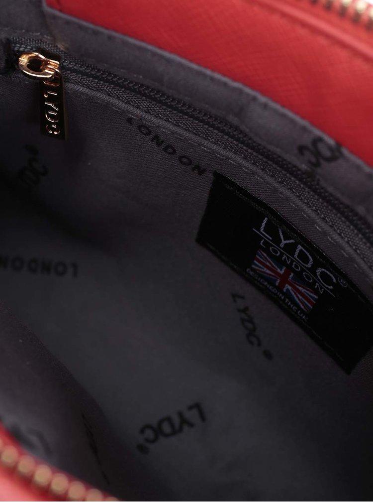 Červená crossbody kabelka s detailmi v zlatej farbe LYDC