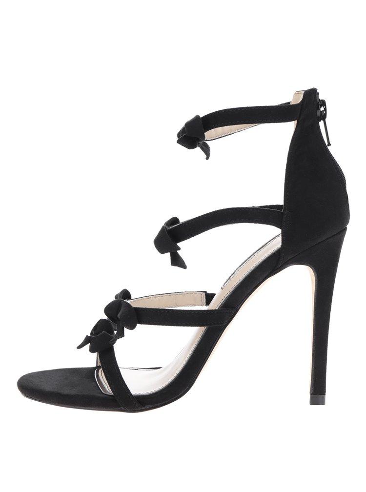 Černé sandálky na jehlovém podpatku s detaily Miss Selfridge