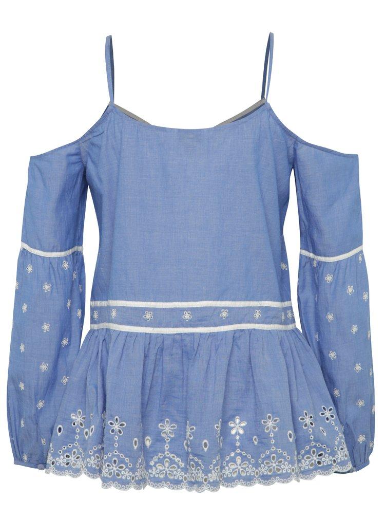 Modrá halenka s odhalenými rameny a madeirou Miss Selfridge