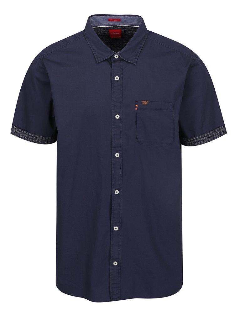 Tmavě modrá pánská košile se vzorovanými lemy s.Oliver