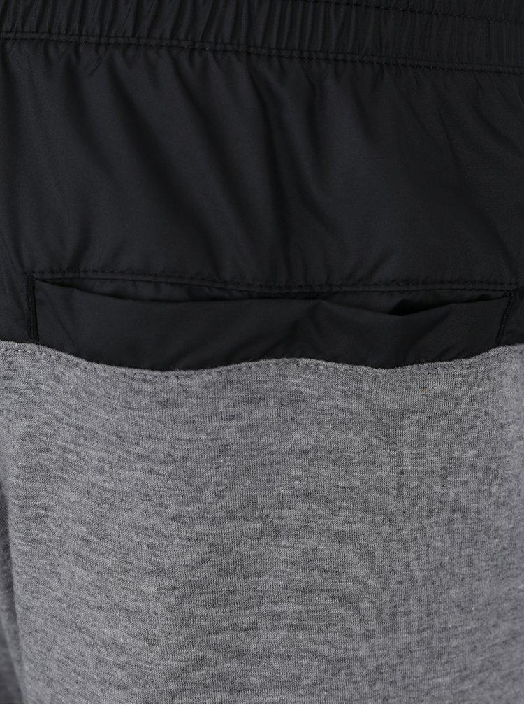 Černo-šedé pánské kraťasy s kapsami Nike Modern
